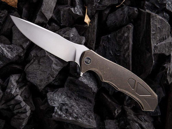 ** NOW HERE ** - WE Knives - 910 / 037 - M390 Blade -Titanium Handle - Designed By Kellen Bogardus - True Talon