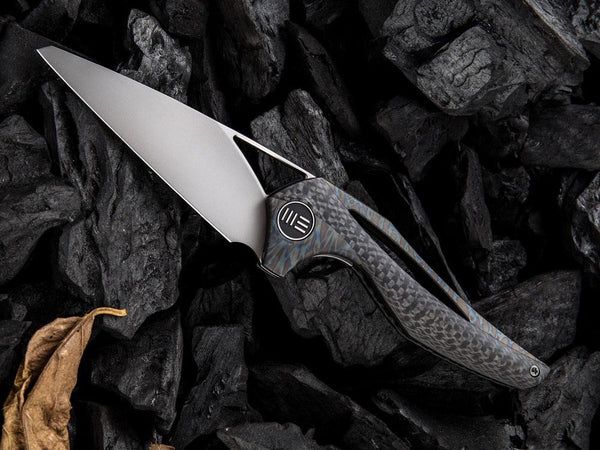 WE Knives ÆternA - 918 - M390 Blade - Carbon Fiber and titanium handle - True Talon