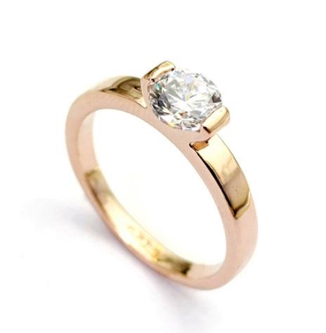 Vintage in Rose Gold Plating Titanium Engagement Ring with Swarovski