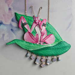 DAY 30 - ORCHID MANTIS EMPRESS Handmade Fabric Necklace - Triangle of Bears