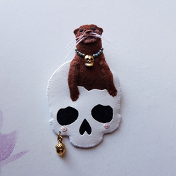 DAY 14 - TOMB SKULL EXPLOROTTER Handmade Fabric Brooch - Triangle of Bears