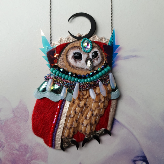 SPELLBINDING SORCEROWL Handmade Fabric Necklace - Triangle of Bears