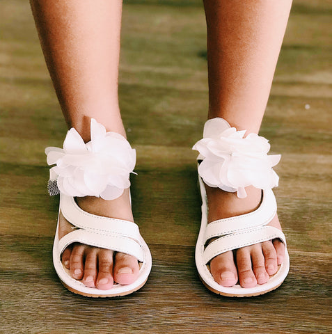 Savannah Fluffy White Flower Sandals