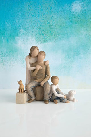 Willow Tree Figurine Gift Set Mother, Father, Son, Cat and Dog