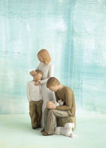 Willow Tree Figurines Gift Set Mother, Son, Father, Baby and Dog