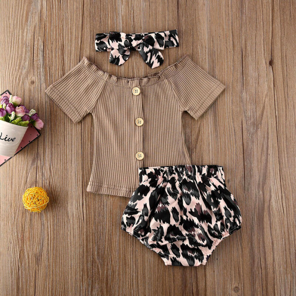 Leopard Shorts Outfit
