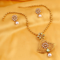 0025 Sukkhi Stylish Jalebi Gold Plated Kundan Necklace Set For Women