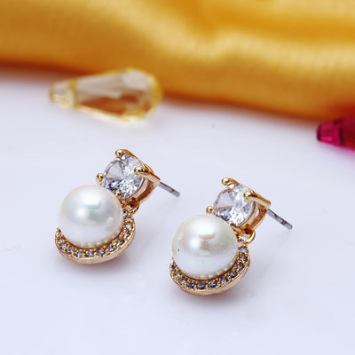Sukkhi Brilliant Gold Plated Stud Earring for Women
