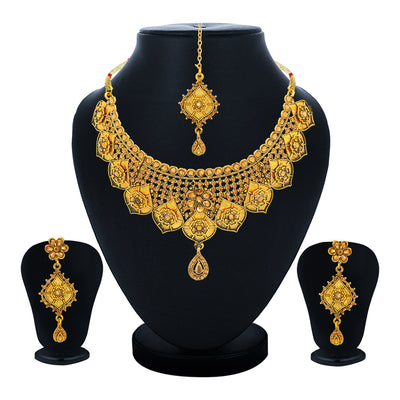 Sukkhi Attractive Choker Gold Plated Necklace Set Set for Women