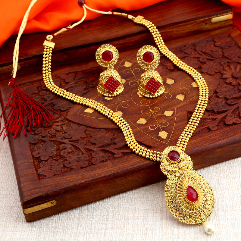 Sukkhi Traditional Gold Plated Necklace Set: Sukkhi Graceful Gold Plated Traditional Necklace Set For