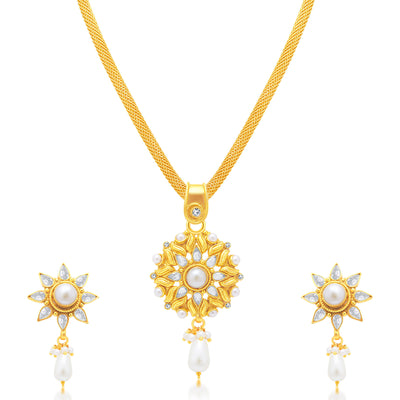 Sukkhi Finely Gold Plated Pendant Set For Women