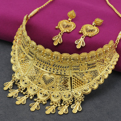Sukkhi Spectacular 24 Carat Gold Plated Choker Necklace Set for Women
