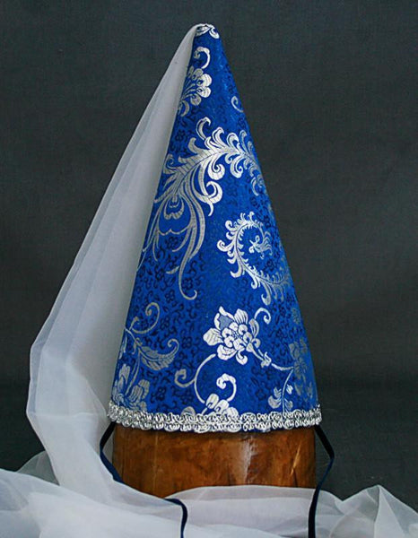 Steeple Hennin Cone - Blue Peony / White Veil - Tall Toad