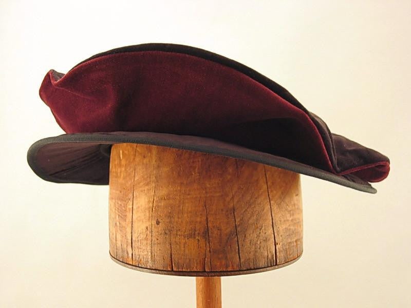 Cotton Velveteen Flat Cap - Black / Ruby Wine - Tall Toad