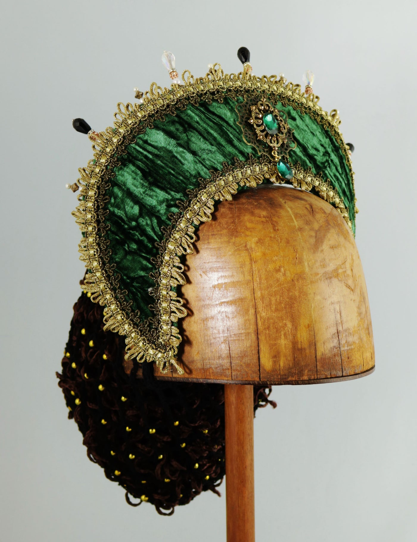 Large French Hood - Green Velvet / Gold / Pearl Stick Pins / No Veil - Tall Toad