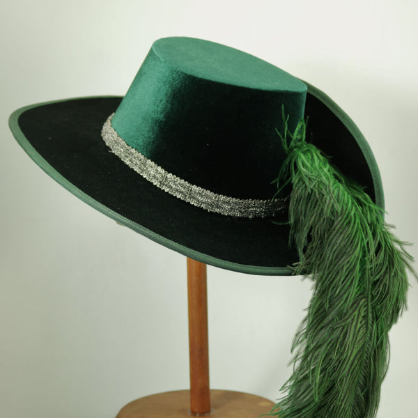 Smooth Velvet Cavalier - Green / Silver / Green Feathers - Tall Toad
