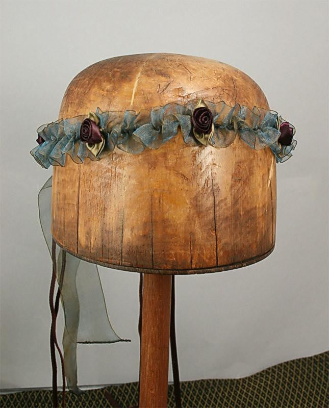 Isabella Ribbon Chapelet - Patina / Dark Burgundy Flowers - Tall Toad