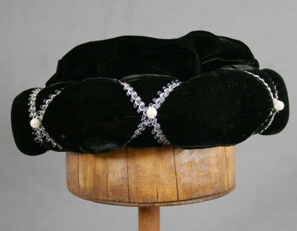 Roundlet - Black / Silver Trim / Pearls - Tall Toad