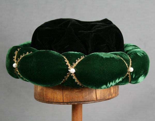 Roundlet - Green / Gold Trim / Pearls - Tall Toad