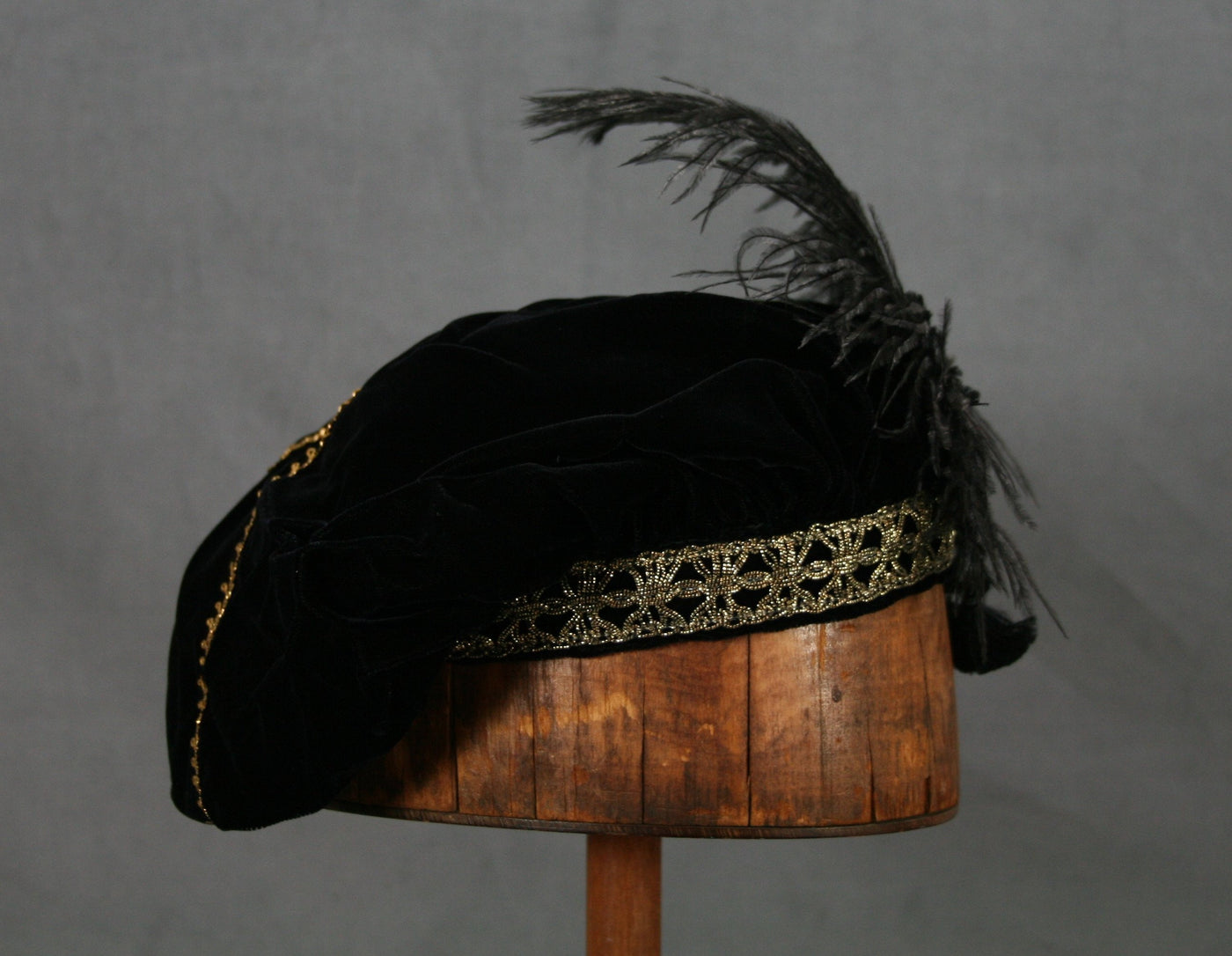 Feathered Beret - Black / Gold - Tall Toad