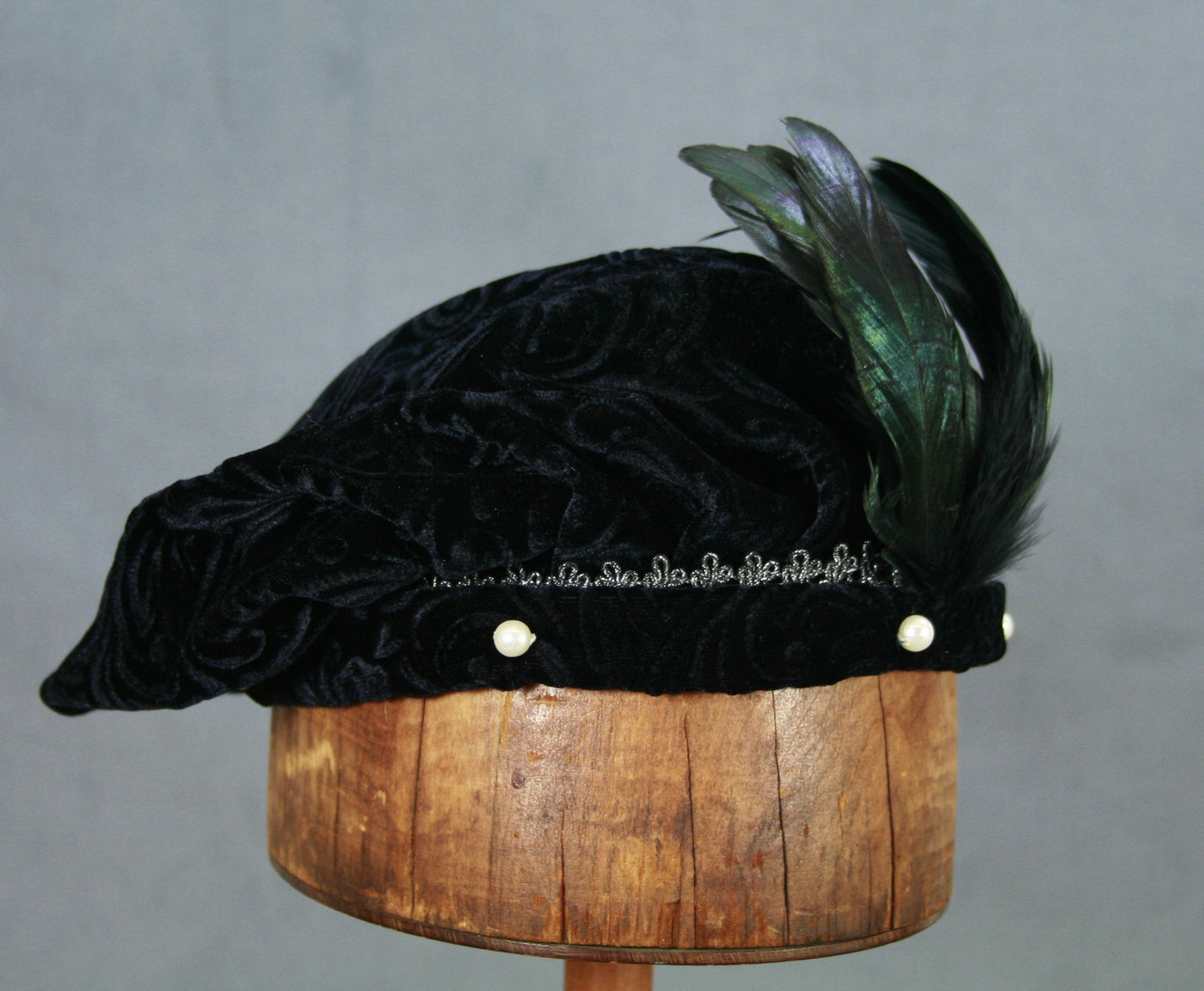 Pearled Willoughby Beret - Black / Silver - Tall Toad