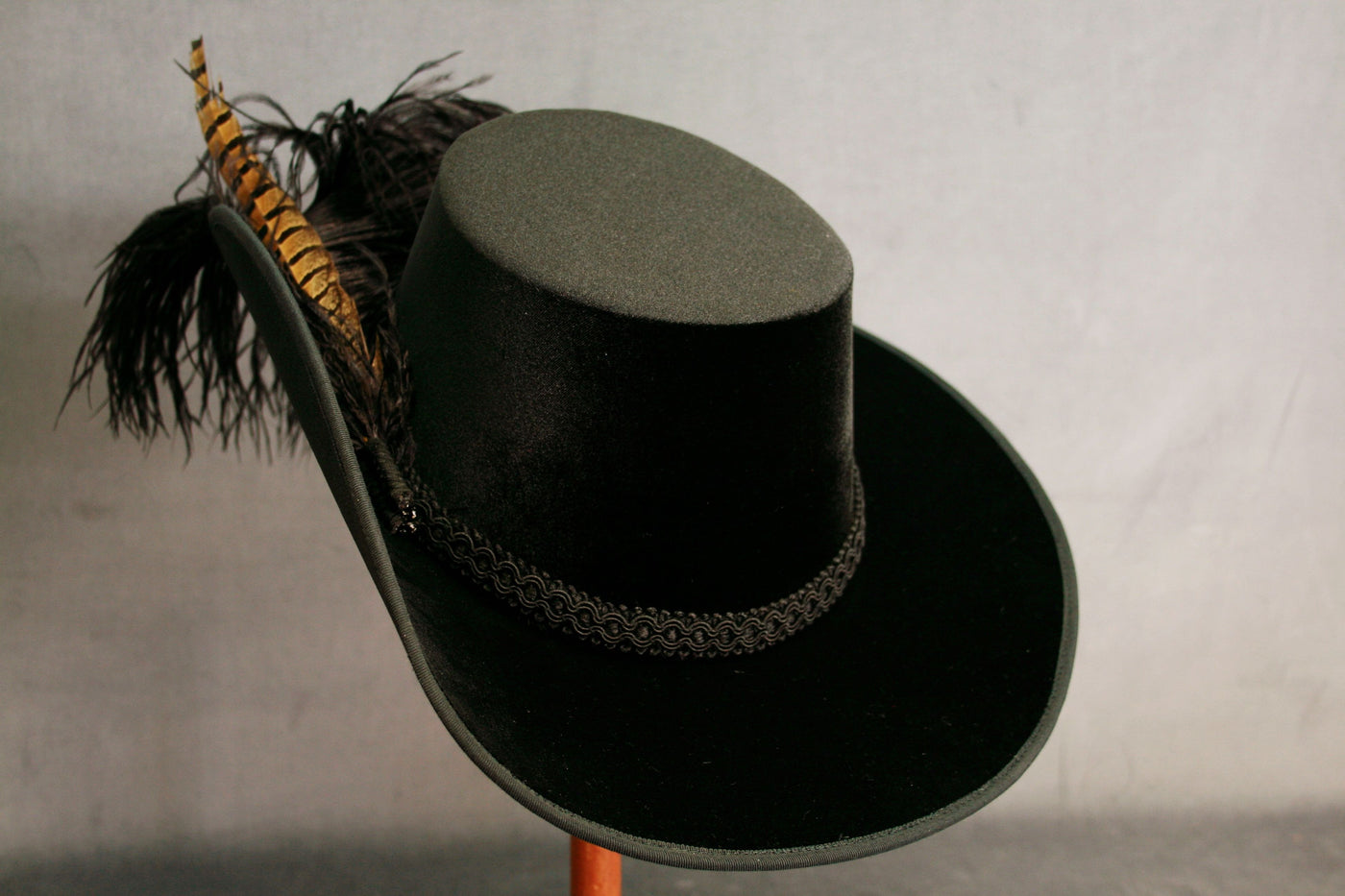 Smooth Velvet Cavalier - Black / Black Feathers with Pheasant - Tall Toad