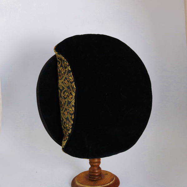 Flat Cap - Black / Gold Amber Black Brocade - Tall Toad