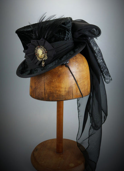 Mini Top Hat - Black Velvet / Ribbon Cockade / Cameo