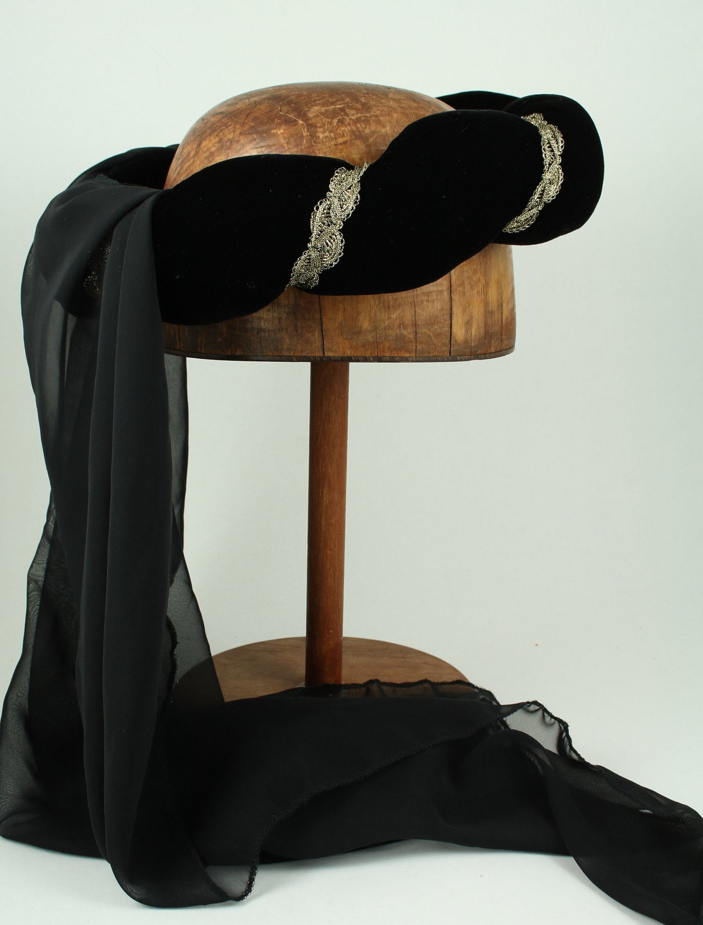 Veiled Roundlet - Black / Gold Trim / Black Veil - Tall Toad