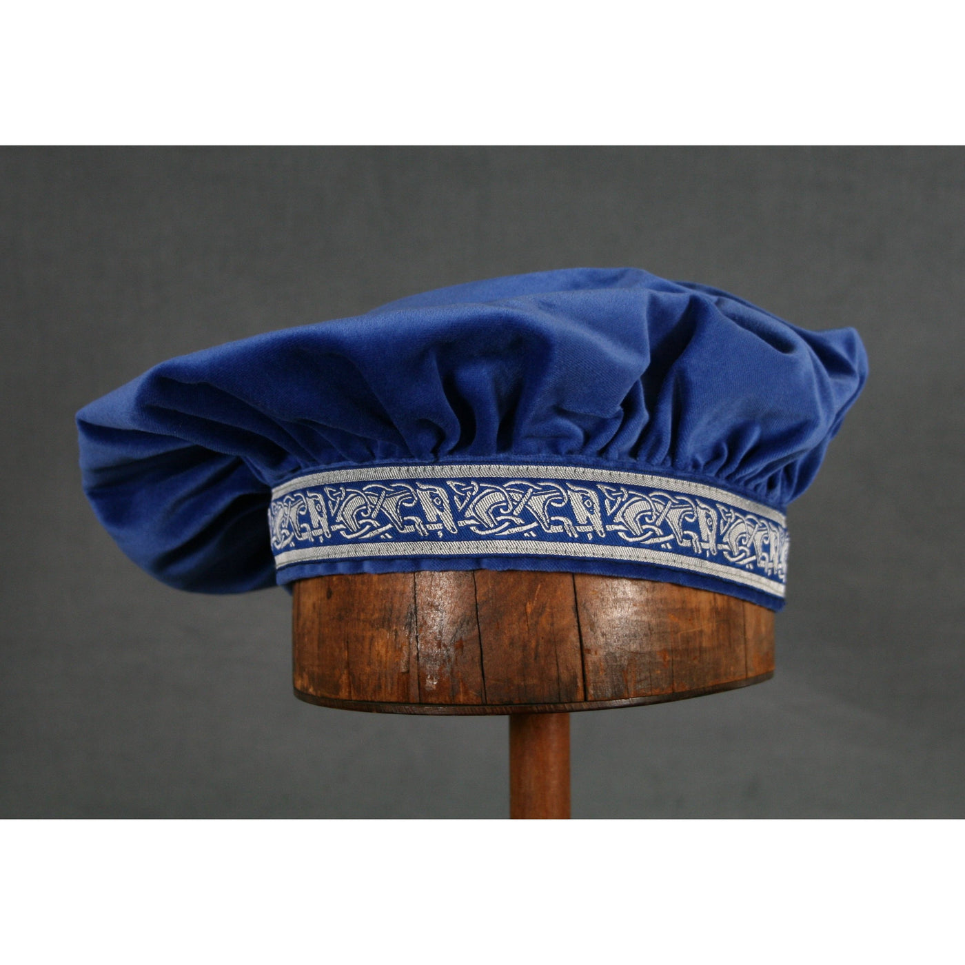Cotton Velveteen Beret - Blue / Running Dog - Tall Toad