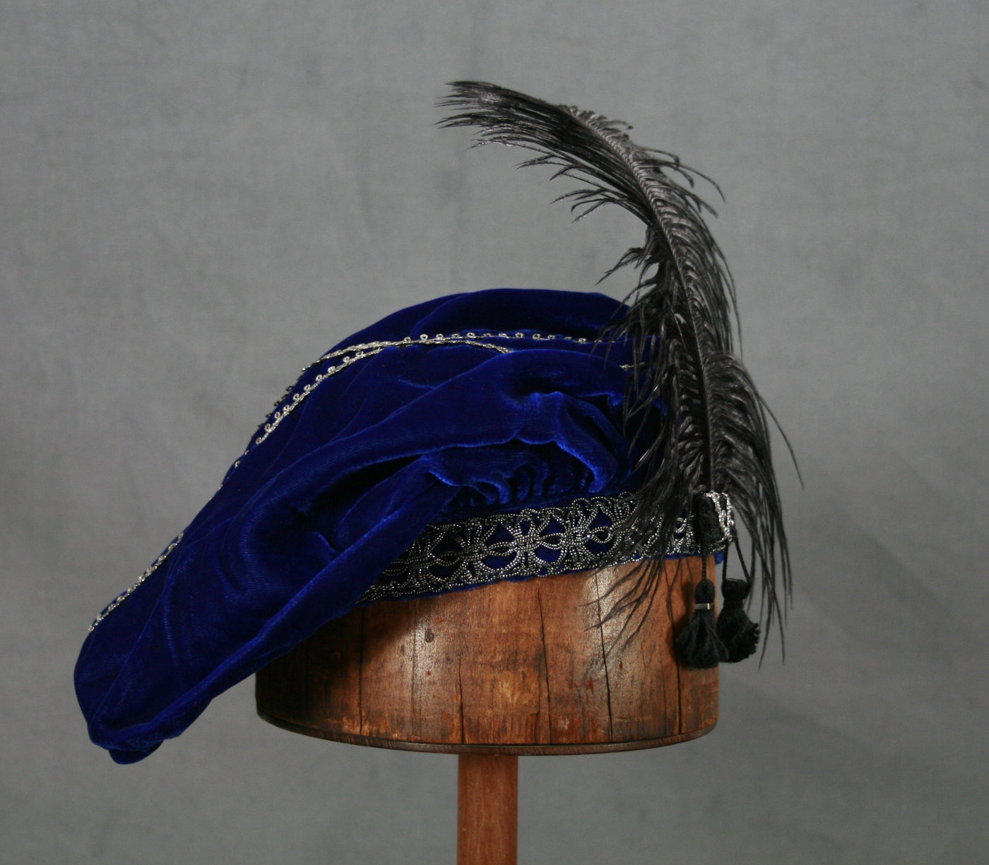 Feathered Beret - Blue / Silver - Tall Toad