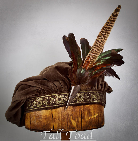Short Feather Hat Pin - Dark Natural with Pheasant - Tall Toad