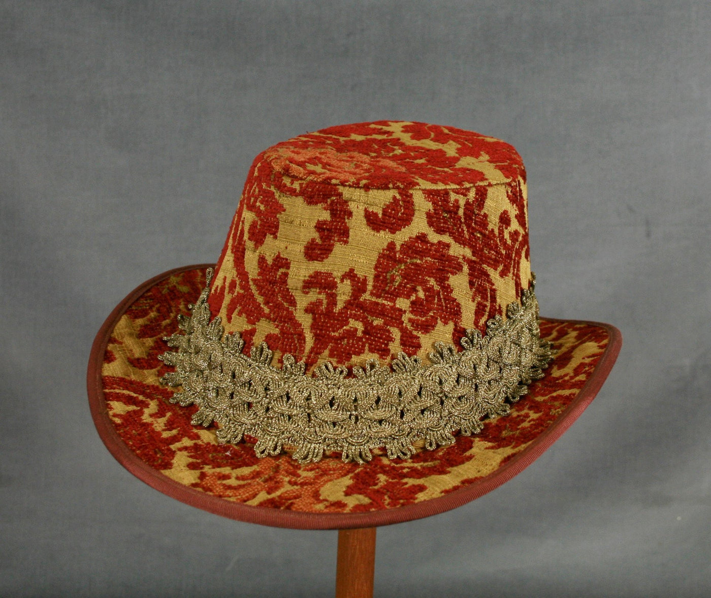Tall Hat - Cinnamon Chenille - Tall Toad