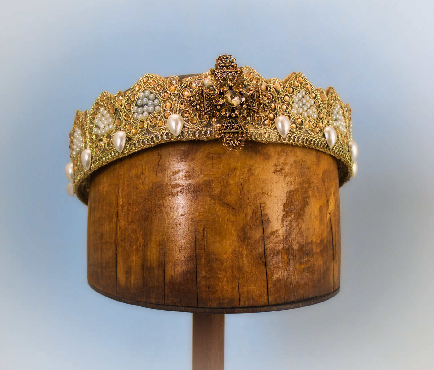 Crown with Pearls and Amber Gold Cross Jewels - Tall Toad
