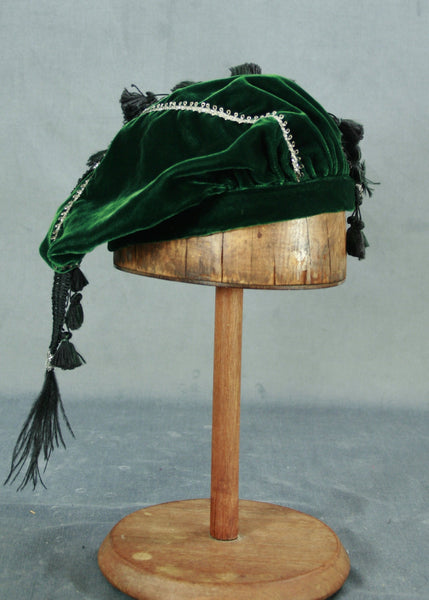 Tasseled Beret - Green / Silver - Tall Toad