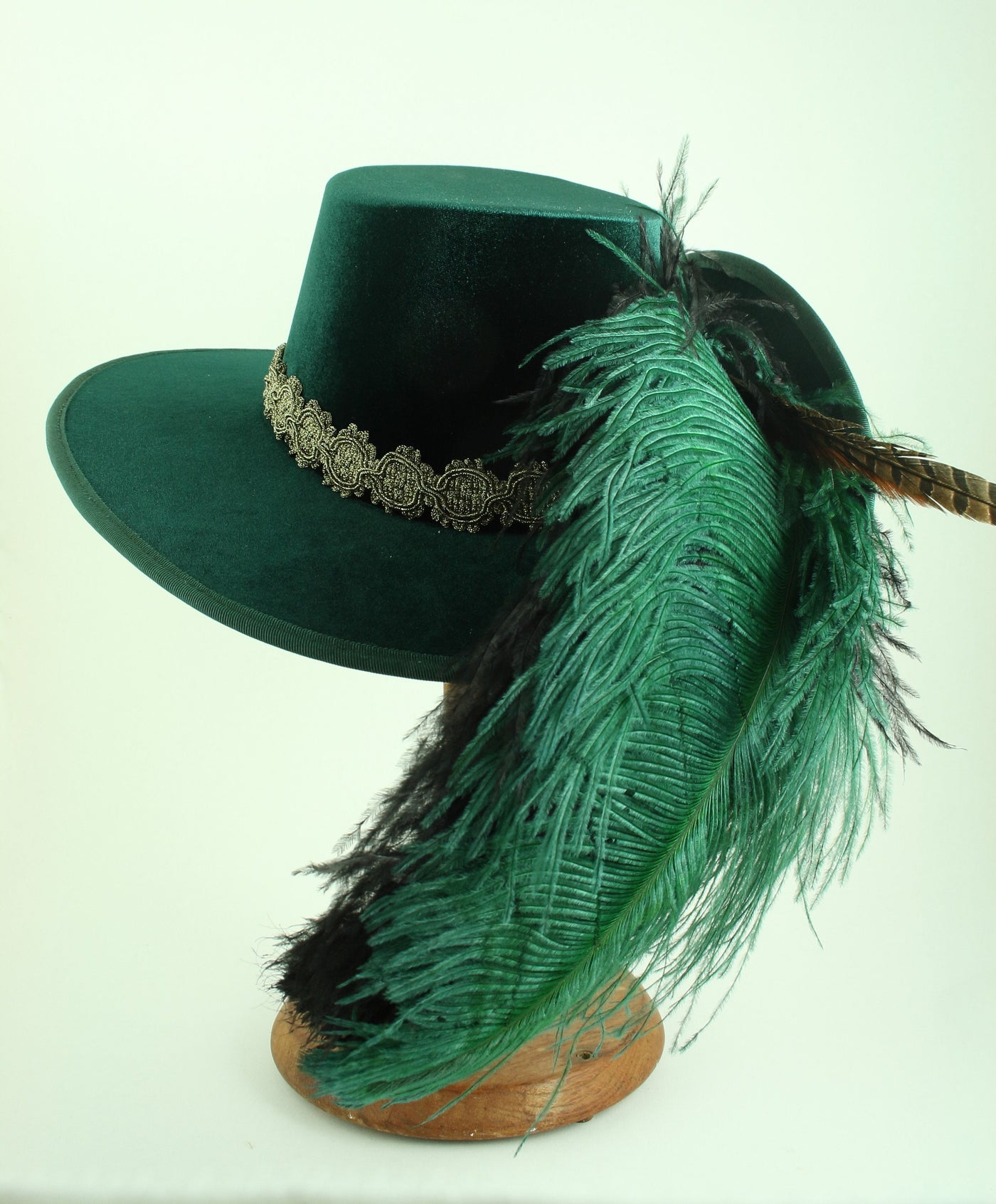 Smooth Velvet Cavalier - Green / Gold / Green Feathers - Tall Toad