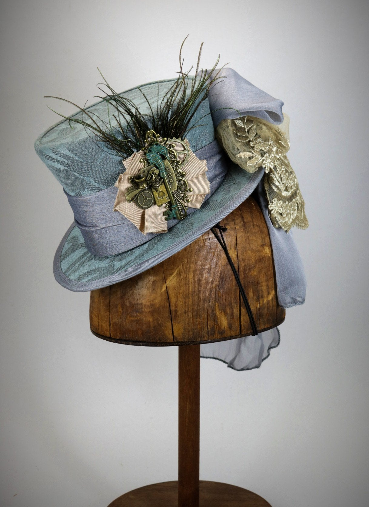 Mini Top Hat Pale Blue Damask with Seahorse