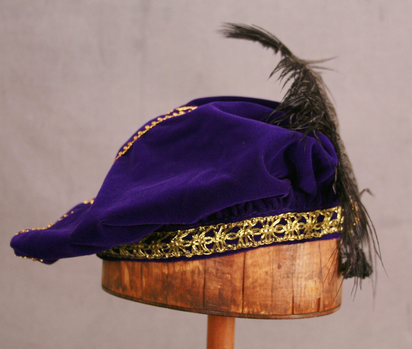 Feathered Beret - Purple / Gold - Tall Toad