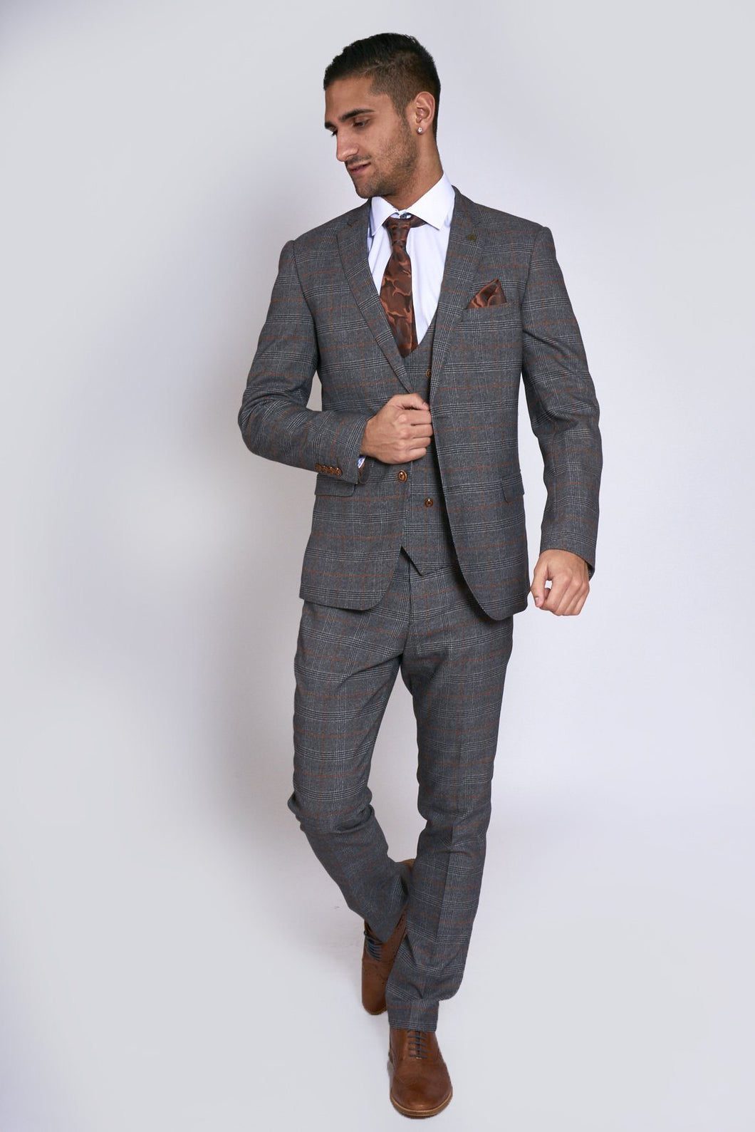 Marc Darcy: JENSON - Grey Check Suit With Double Breasted Waistcoat - Gilt Edged