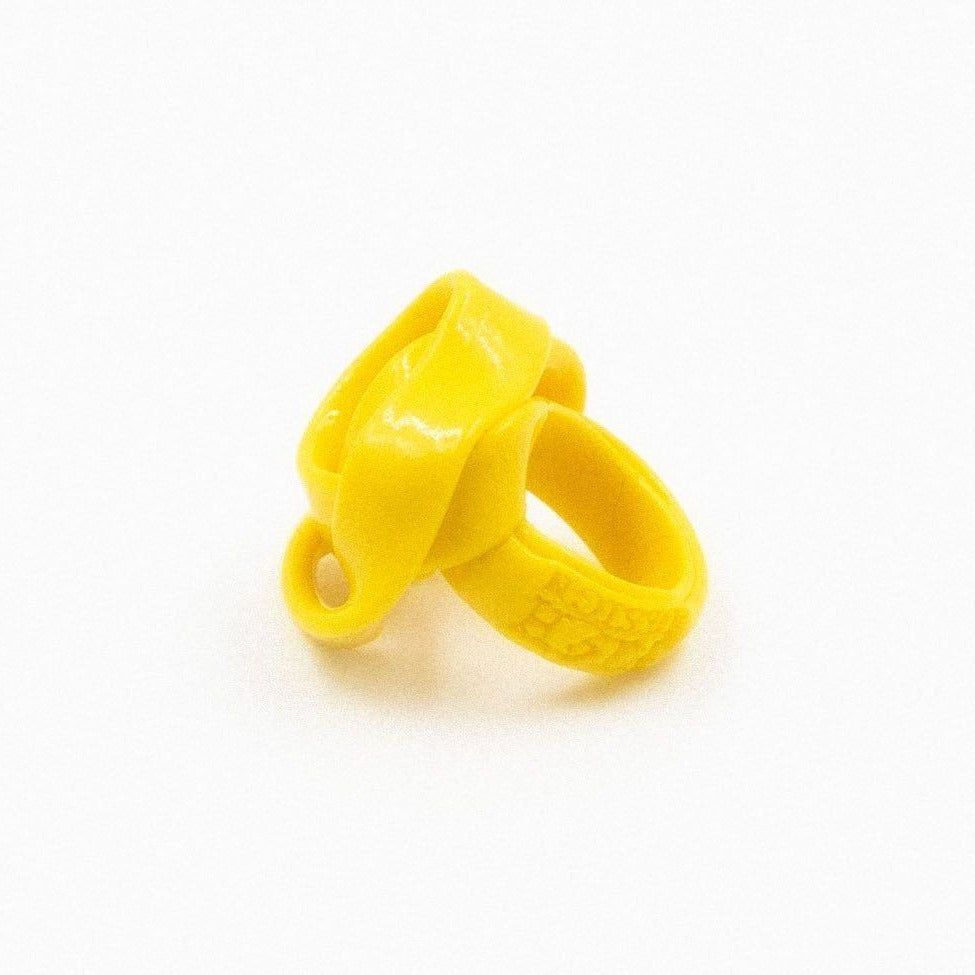 Bague en résine jaune de Gaetano Pesce - Fish Design-The Woods Gallery