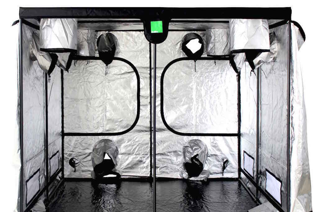 After selecting the perfect indoor grow space youu0027ll need to determine whether you are going to run a sealed or vented room (or tent as the case may be). & Grow Room Setup: Should I Grow Weed In A Sealed or Vented Room ...