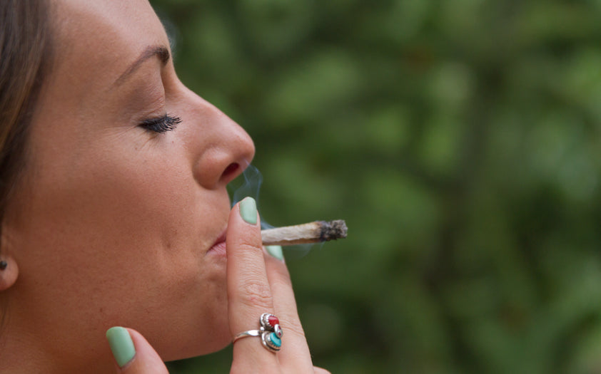 How to Inhale Weed Smoke Properly – Key to Cannabis