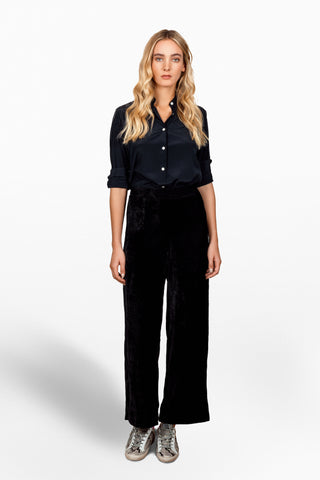 Jimie Pant in Black Velvet