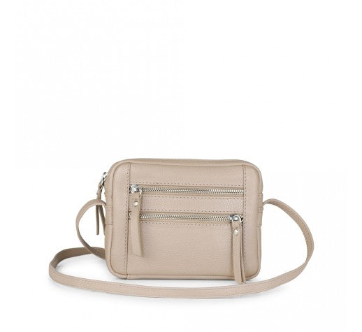 Markberg small bag with crossbody strap in pinky grey leather