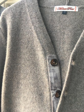 Load image into Gallery viewer, Velvet trim beige lambswool cardigan