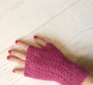 Gotland fingerless pink gloves