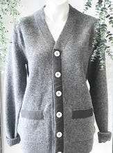 Load image into Gallery viewer, British lambswood cardigan with grey ribbon and silver snaps