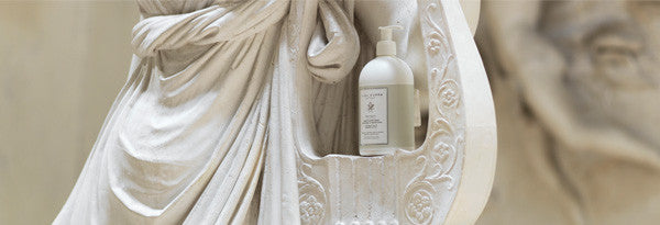 collections/beauty_0000_liquid-hand-soap-marsiglia-casa-3449-museum-canova-acca-kappa.jpg