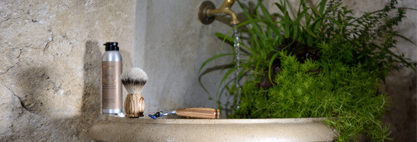 collections/beauty_0002_shaving-foam-1869-brush-razor-zebrawood-pure-badger-acca-kappa_2.jpg