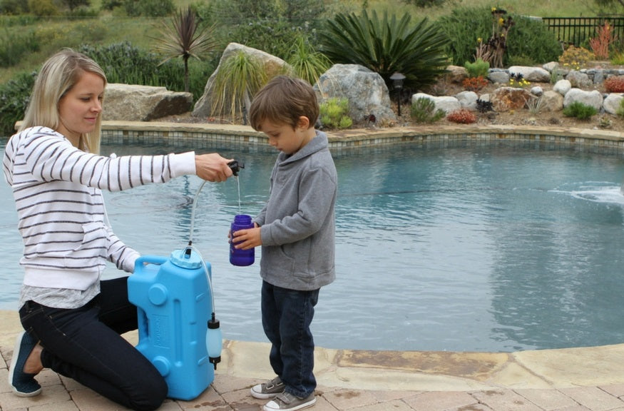 water-filter-purifies-swimming-pool-water